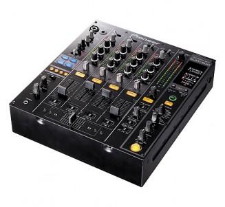 Table de mixage DJ Pioneer...